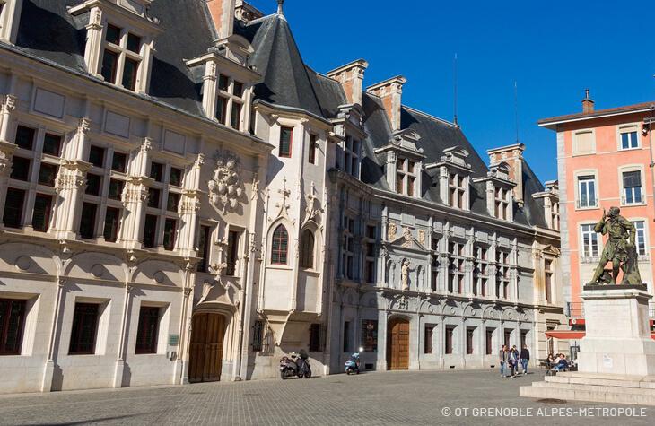 palais parlement grenoble